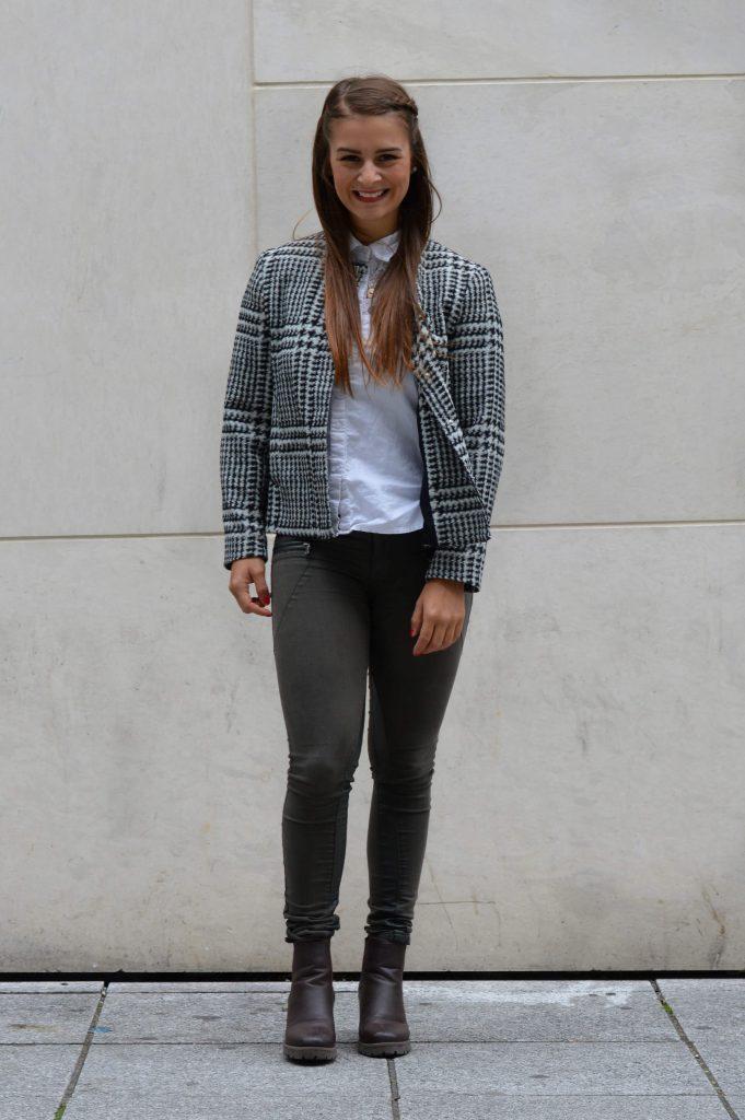 outfit_ootd_jacke_bluse_kette_zara