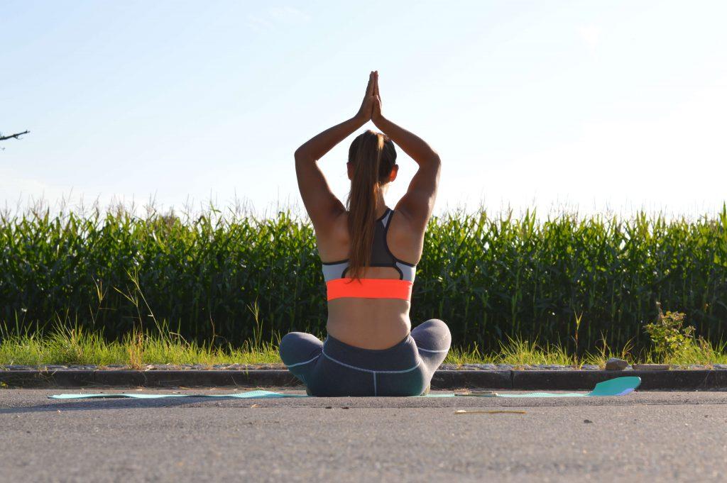 yoga-trainhard-eatwell-blogger-fitness-sport