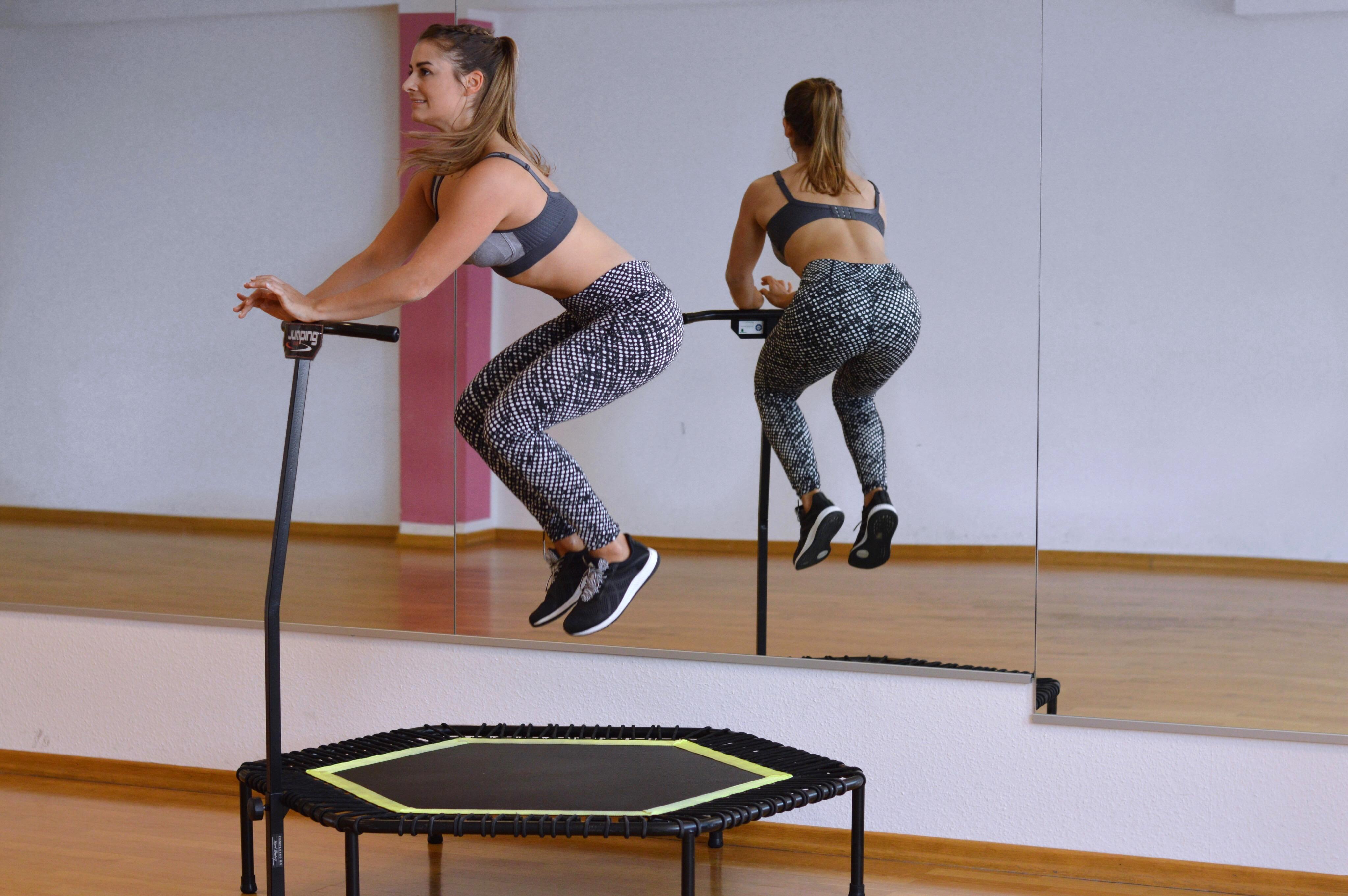 jumping-anita
